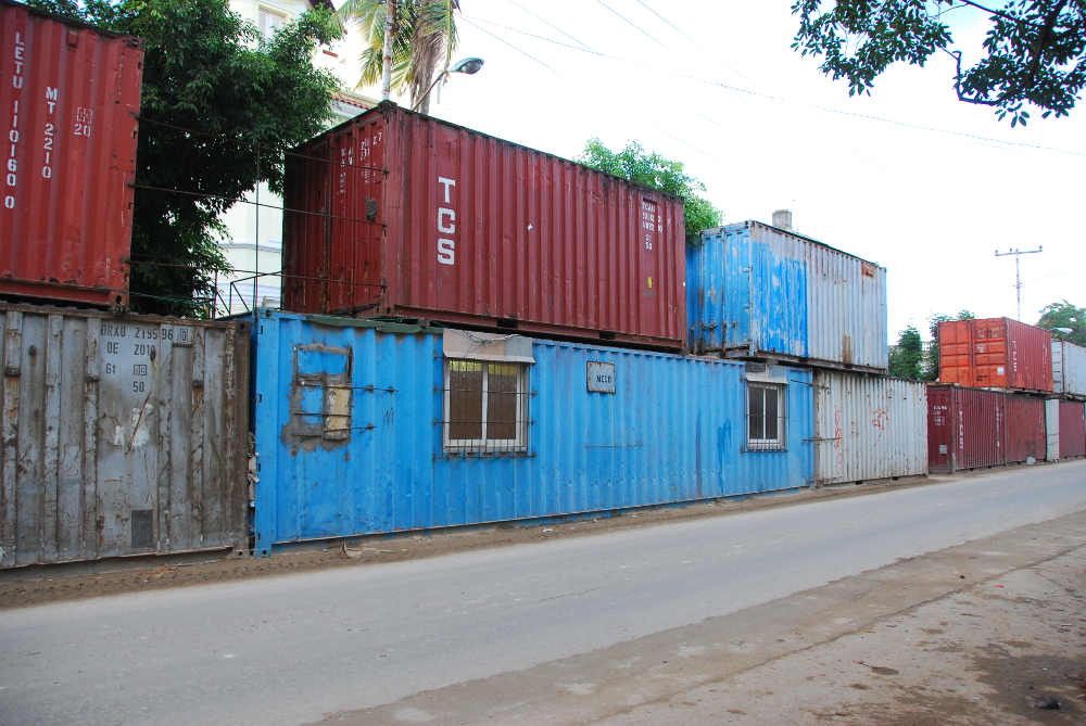 Container_Wall-House,_Cuba