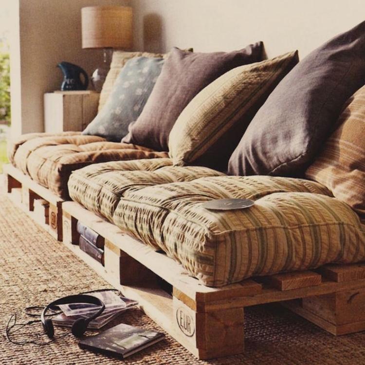 Pallet Sofa (2)